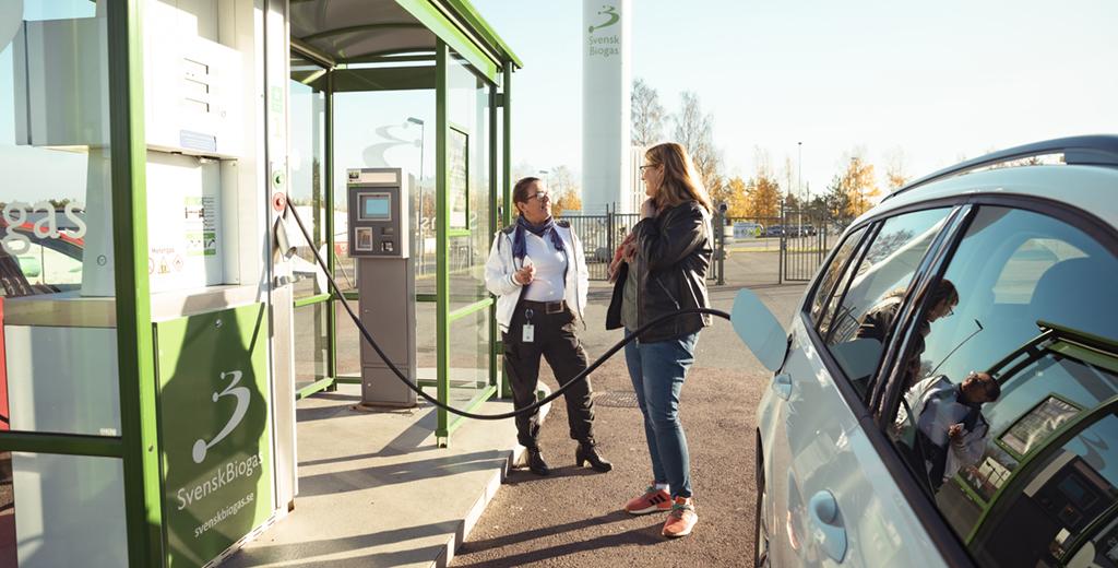 Västerviks Bostads AB vinner klimatpris inom kategorin Fossilfritt, bland annat för att bostadsbolaget har övergått till HVO-bränsle (biodiesel) i sina servicebilar.